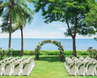 1600x900_Chill-out-lawn---Wedding-by-the-sea