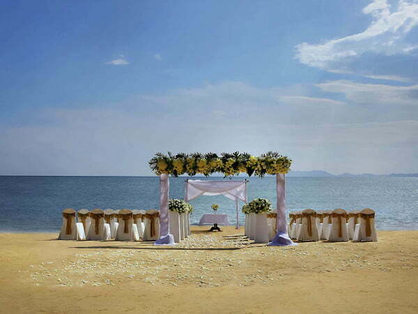 Destination wedding in Thailand