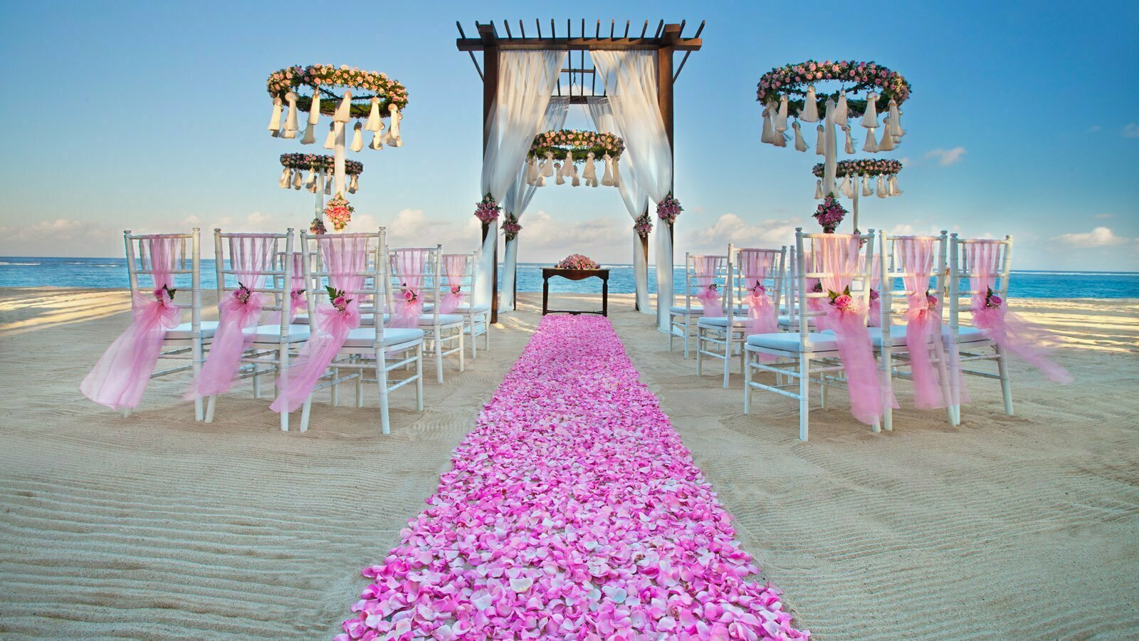 Destination wedding outside india plan with wedabout for Plan a destination wedding