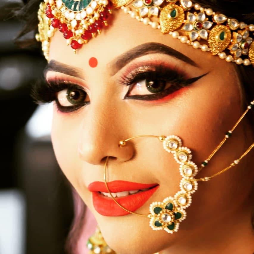 traditional eye makeup