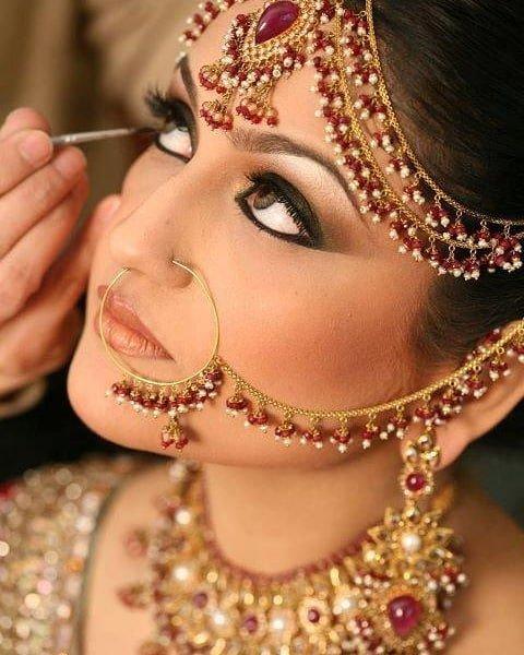 Rosy look, bridal eye makeup