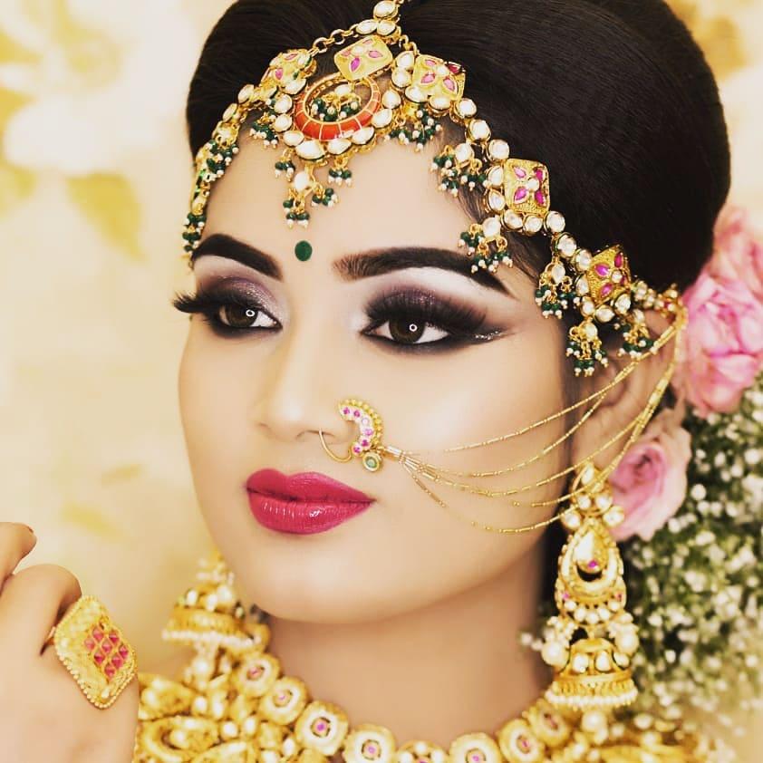 modern metallic eye makeup